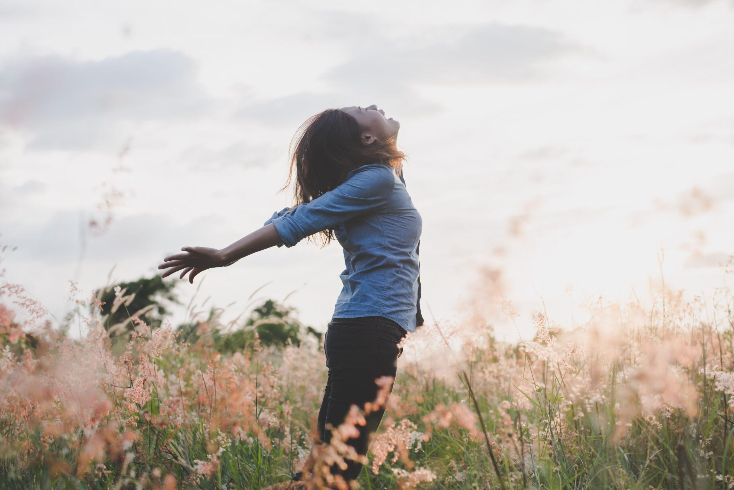 Griten, bailen, hagan lo que más aman.  #libertad #amor