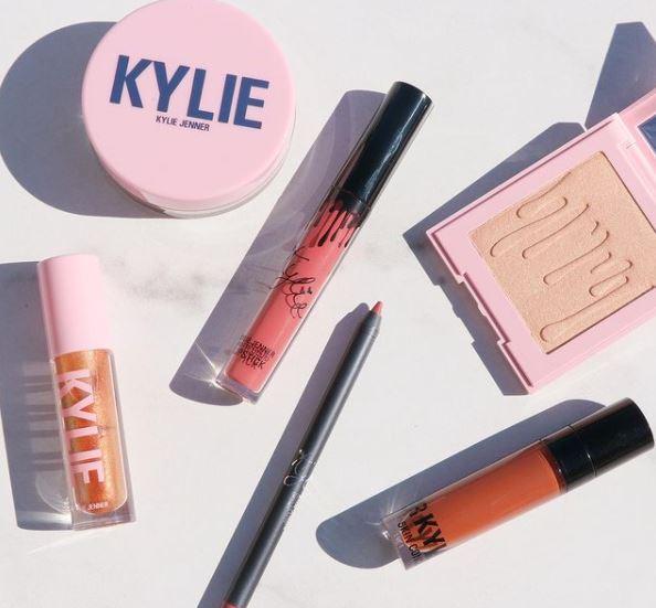 La imagen tiene un atributo ALT vacío; su nombre de archivo es Kylie-Jenner-3.jpg