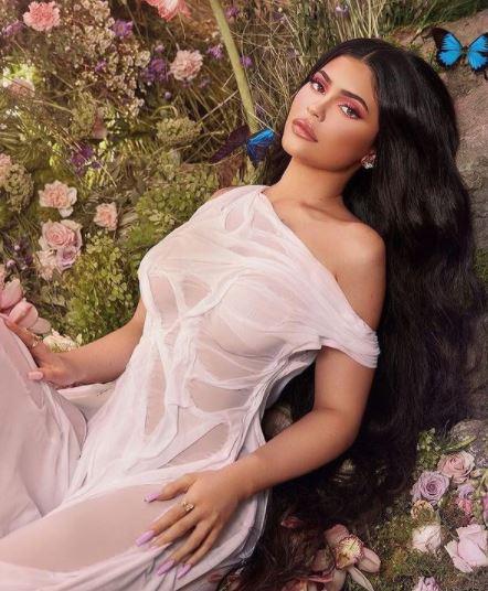 La imagen tiene un atributo ALT vacío; su nombre de archivo es Kylie-Jenner-4.jpg