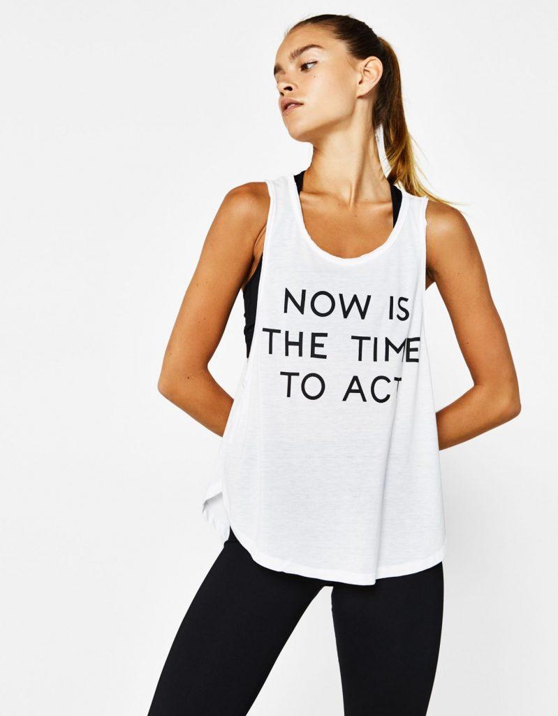 La imagen tiene un atributo ALT vacío; su nombre de archivo es prendas-basicas-para-ir-al-gym-camiseta-camaelonicasblog-799x1024.jpg